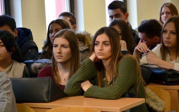 dani-maturanata-druga-ekonomska-skola-beograd-2016-004