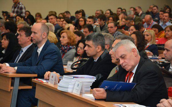 konferencija-finiz-2016-003