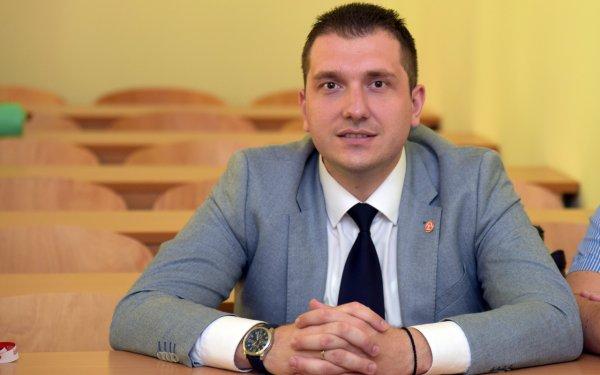 Miroslav Knežević