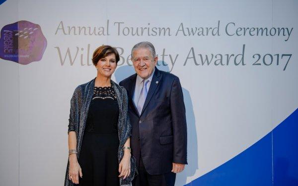 Nacionalna turisticka organizacija Crne Gore nagradila prof.dr Slobodana Unkovica - 1
