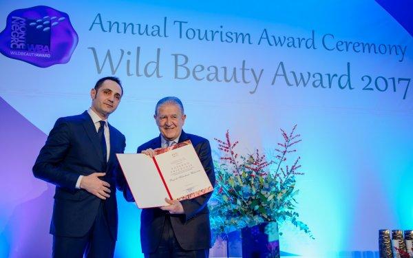 Nacionalna turisticka organizacija Crne Gore nagradila prof.dr Slobodana Unkovica - 3