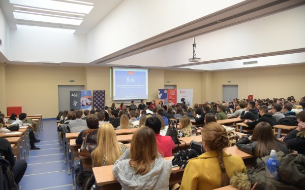 uspesno-realizovana-konferencija-finiza-2017-10